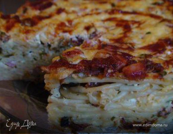 Макаронный торт с сыром, ветчиной и вялеными помидорами