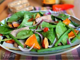 Теплый салат со шпинатом и тыквой