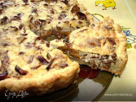 Песочный пирог с лисичками и сыром Джюгас