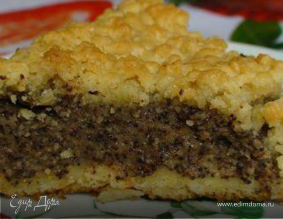 Тертый пирог из двух видов теста с маково-пудинговой начинкой