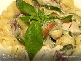 Пипе ригате с куриным филе в яблочно-сливочном соусе