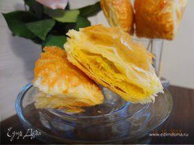 Слоеные пирожки с тыквой и шпинатом
