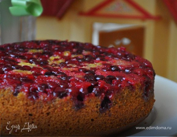 Перевернутый тыквенный пирог с клюквой