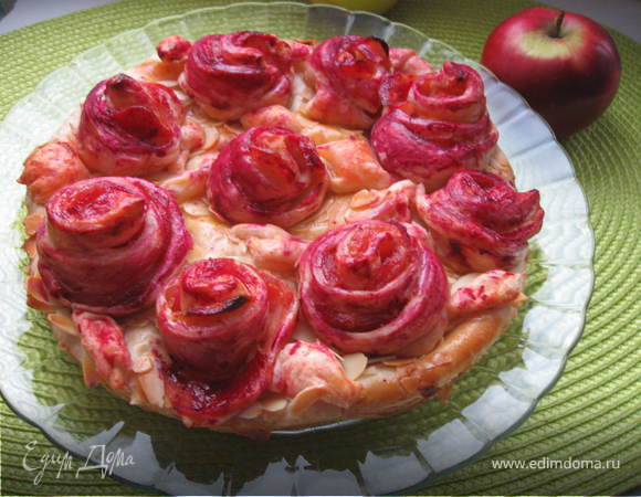 """Яблочный пирог """"Слоеные розочки"""""""