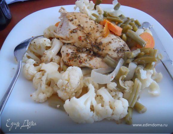 Куриное филе, запеченное с овощами в фольге