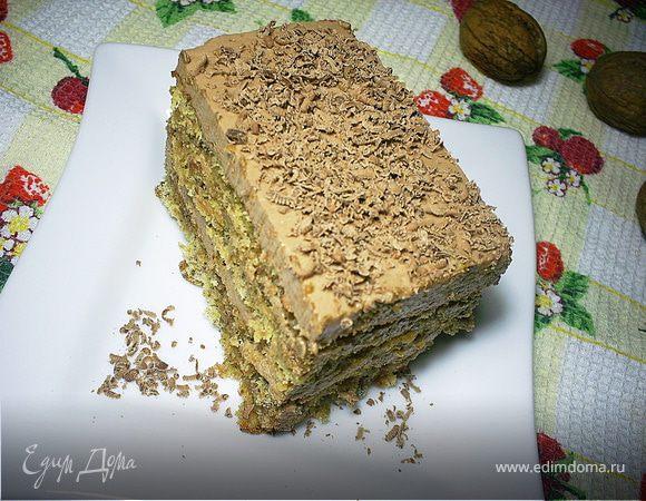 Орехово-лимонный торт с шоколадным кремом и карамельно-миндальной прослойкой