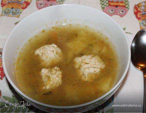 Суп с фрикадельками из индюшатины и соленым огурцом