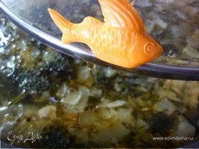 """""""Мамин"""" суп из красной рыбы"""