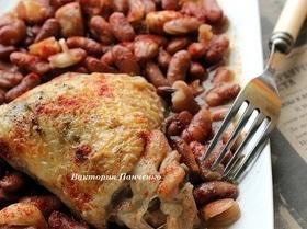 Рагу из курицы с фасолью и запеченным чесноком
