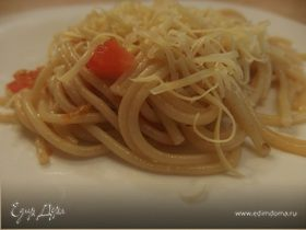 Спагетти с помидорами
