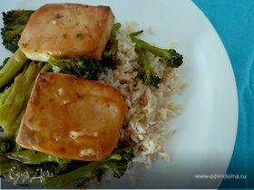 Жареный Тофу в сое и кленовом сиропе с брокколи
