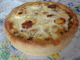 Торт с квашеной капустой, шпиком и луком