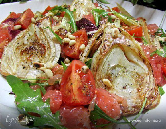 Салат с жареным фенхелем и грейпфрутом