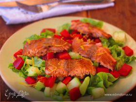 Салат с семгой и сладким перцем