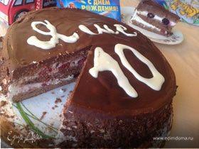 Шоколадный торт с ежевикой и малиной