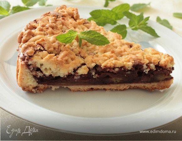 Сливовый пирог с шоколадным пудингом