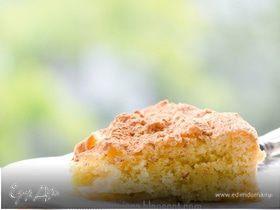 Воздушный яблочный пирог с миндалем