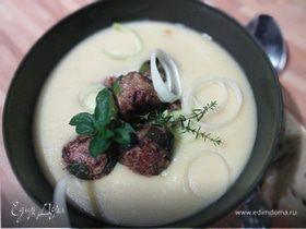 Картофельный крем-суп с мясным шариками