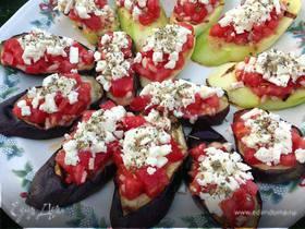 Баклажаны и кабачки-гриль с помидорами и сыром фета
