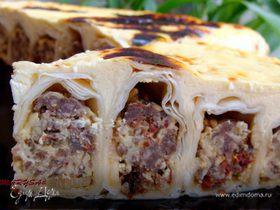 Заливной пирог-улитка с мясом и сыром