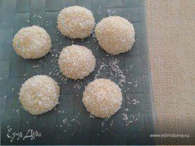 Кокосовые шарики из рисовой муки