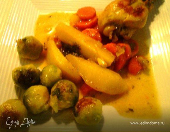 Куриные голени с овощами и брюссельской капустой