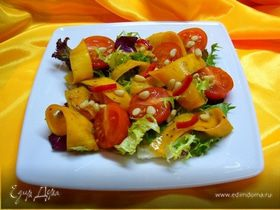 Салат с маринованной тыквой и помидорами черри