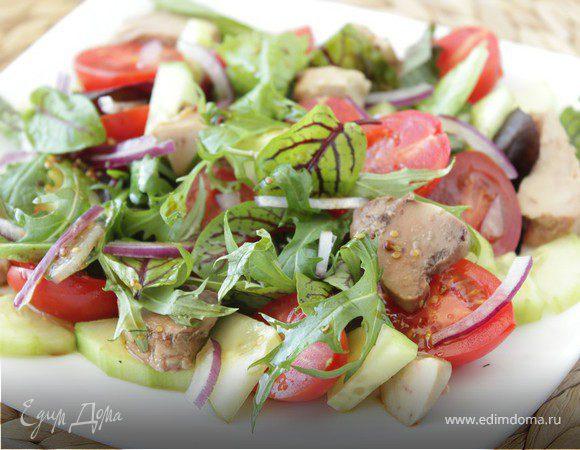 Салат из руколы с печенью трески