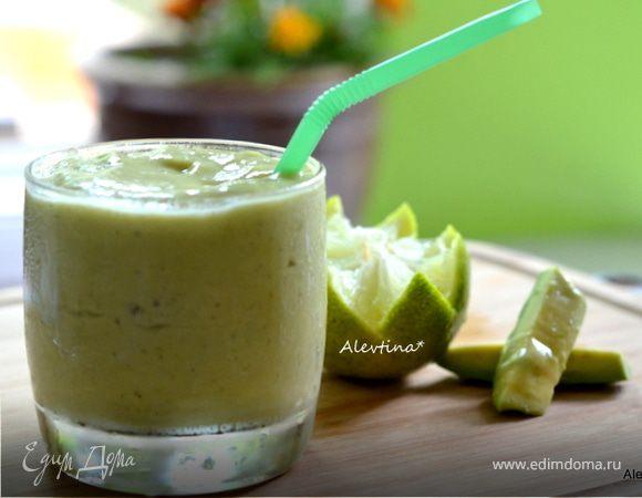 Кремовый смузи с манго и авокадо