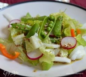 Салат с зелеными стручками гороха