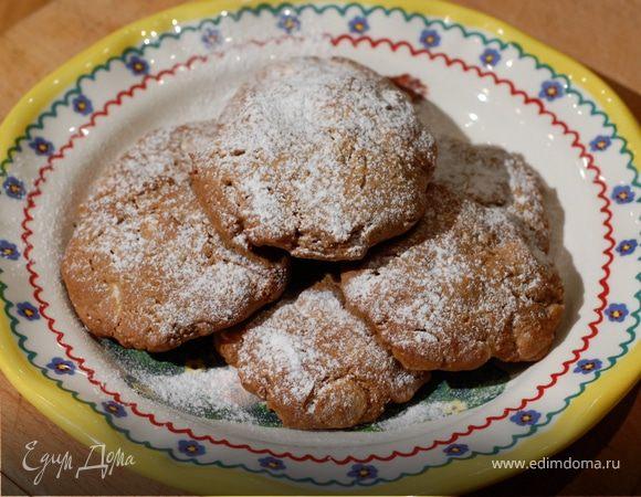 Печенье с белым шоколадом, кофе и макадамией