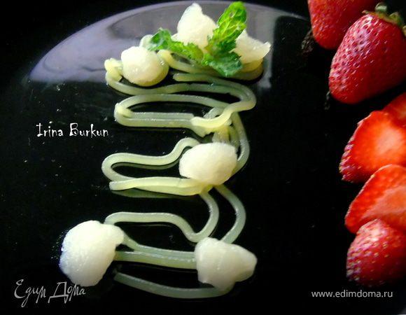 Молекулярные спагетти с шариками из водки