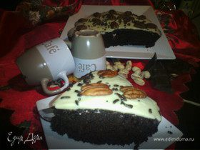 Шоколадный кекс с орехами и пряностями