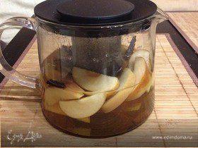 Ароматный чай с яблоком и корицей