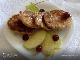 Яблочные оладьи с овсянкой