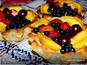Корзиночки с ванильно-творожной начинкой и фруктами