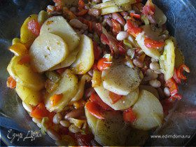 Печеный картофель с овощами