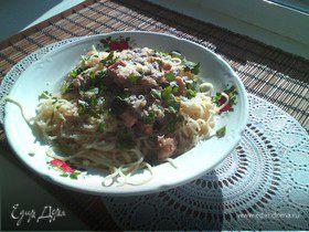 Спагетти со сливочно-грибным соусом и куриной грудкой