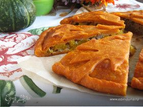 Пирог с мясом и тыквой на томатном тесте