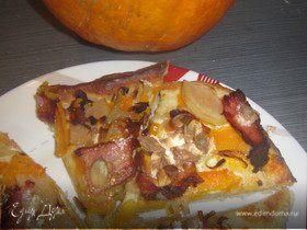 Пирог с тыквой, грушей и грудинкой