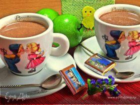 Горячий шоколадный напиток с корицей