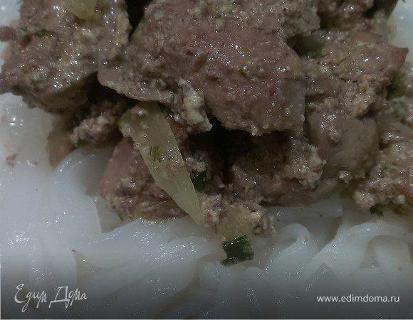 Куриная печень в сметанном соусе