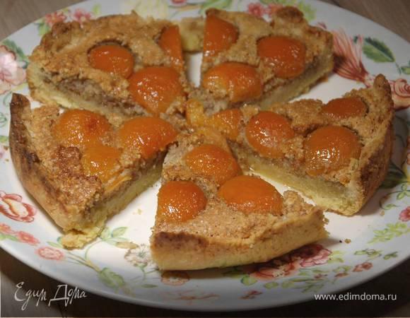 Тарт с консервированными абрикосами