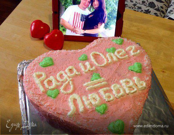 Бисквитный торт с клубникой и заварным кремом