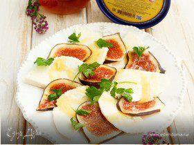 Карпаччо из Рузского сыра и инжира под медовой заправкой