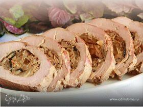 Свиное филе с луком и грибами