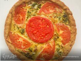 Киш с помидорами, моцареллой и шпинатом