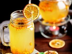 Пряный чай с облепихой, имбирем и специями