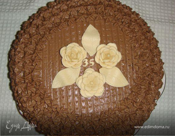 Шоколадный торт с грецкими орешками