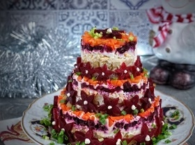 Салат-торт «Селедка под шубой»